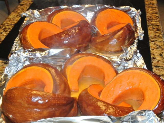 The roasted wedges prior to making purees pumpkin.